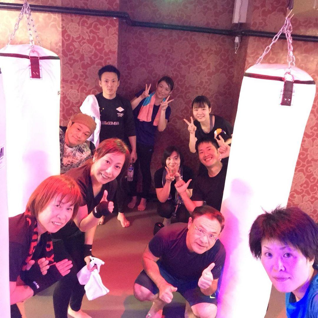 . 本日もたくさんのご参加、誠にありがとうございます . 明日のスケジュールは以下の通りです🥊 . 《MOON》 11:00~  ALICO 19:00~  IKU 20:15~  IKU . @公式ホームページ http://f-factorycorp.jp .