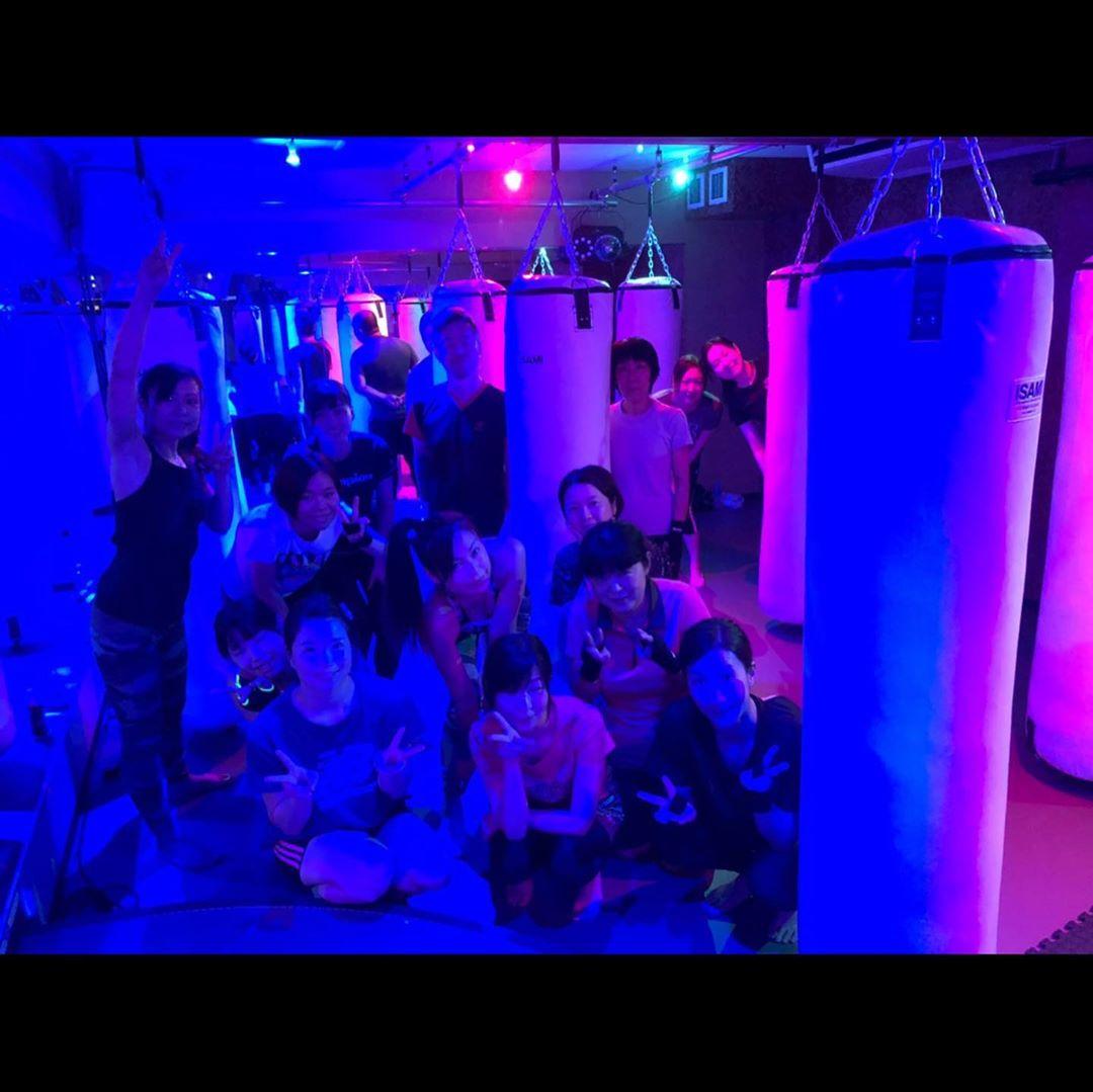 . 本日もたくさんのご参加、誠にありがとうございます . 明日のスケジュールは以下の通りです🥊 . 《️SUN️》 10:00~  EMIKO  ヨガ . 《MOON》 12:15~  AI 19:00~  ALICO  初心者向け 20:15~  ANNA . 9/28(祝・月)10:00~の ヨガはお休みとなります♂️ . @公式ホームページ http://f-factorycorp.jp .
