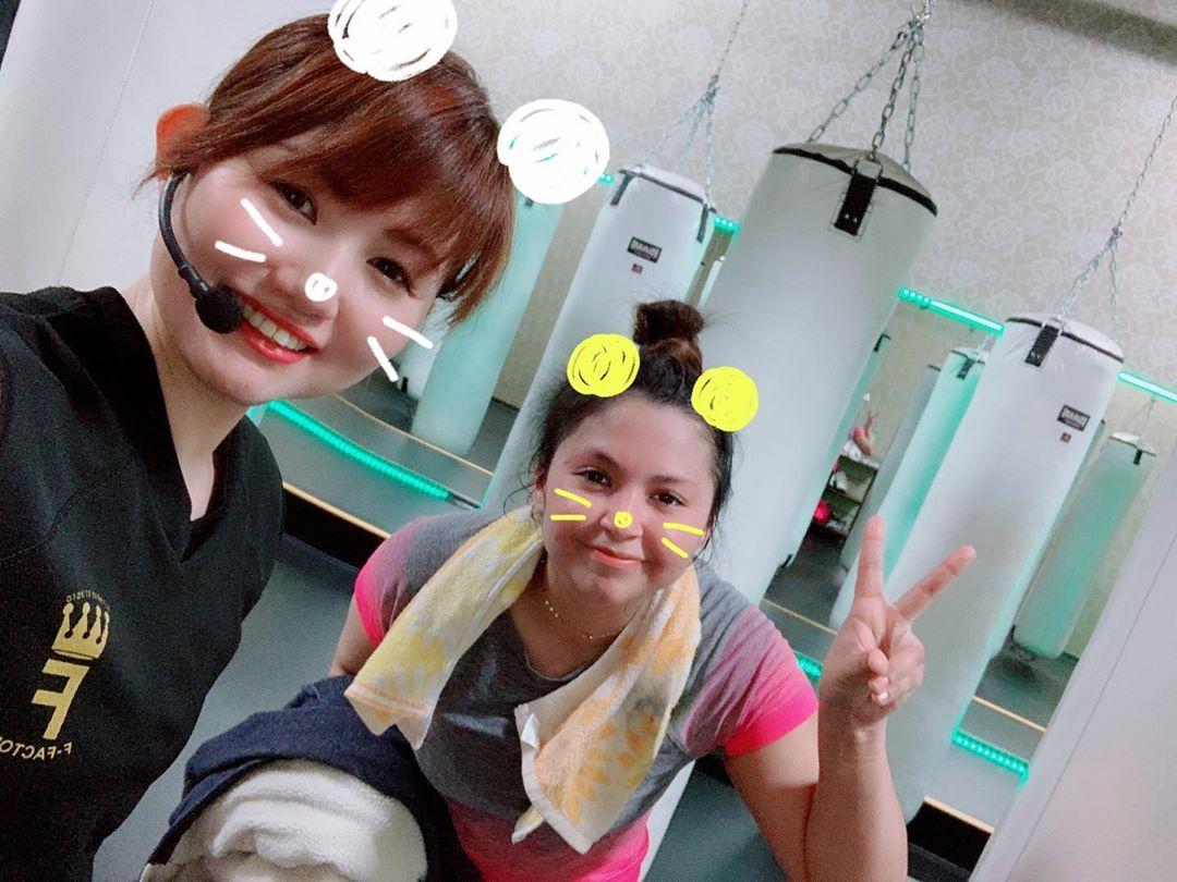 2020/03/18(水)   今日も沢山のご参加ありがとうございました️   やっぱり沢山の方が来て下さると嬉しいですねっ️    明日は  10:00~TOMOMI 19:00~TOMOMI 20:15~バランスコーディネーション    明日も皆様のご参加お待ちしております️ @公式ホームページ http://f-factorycorp.jp/